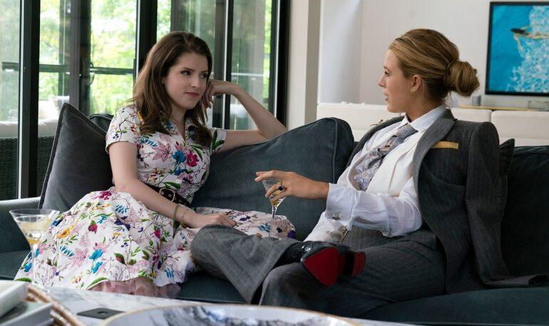 Anna Kendrick og Blake Lively i 'A Simple Favor'. Filmpuls.