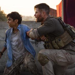'Extraction' med Chris Hemsworth. Læs anmeldelsen på Filmpuls.dk