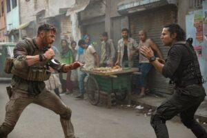 'Extraction' med Chris Hemsworth og Randeep Hooda. Læs anmeldelsen på Filmpuls.dk