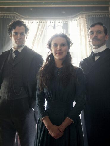 'Enola Holmes'. Læs anmeldelsen på Filmpuls.dk
